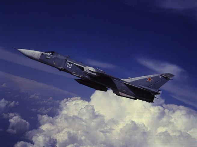 самолет Су 24