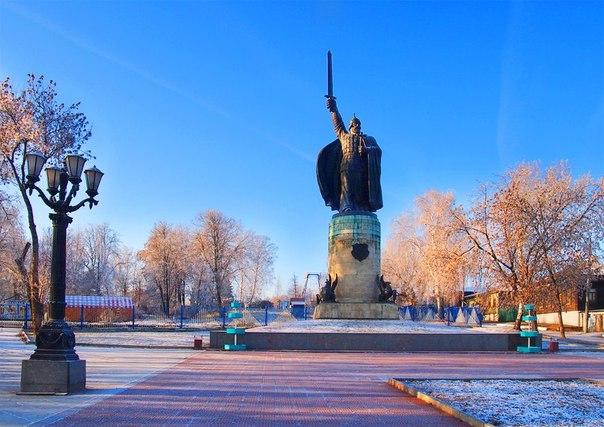Окский парк. Илья Муромец памятник