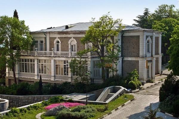 Форосский парк. Дворец Кузнецова
