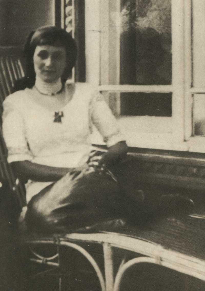 Фото Анны Ахматовой в Слепневе 1913 год