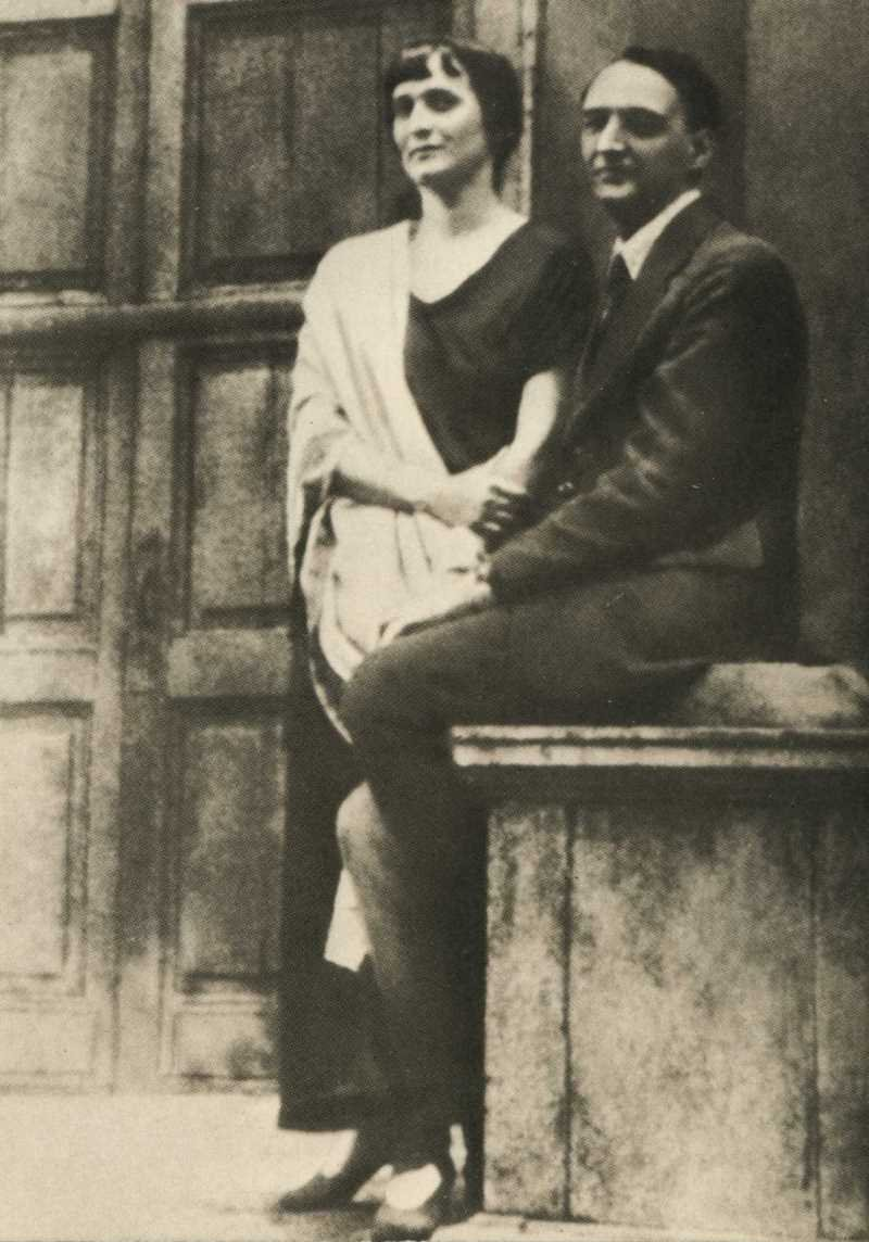 Фото Анны Ахматовой и Н. Н. Пунина. Ленинград, Фонтанный Дом 1927 год