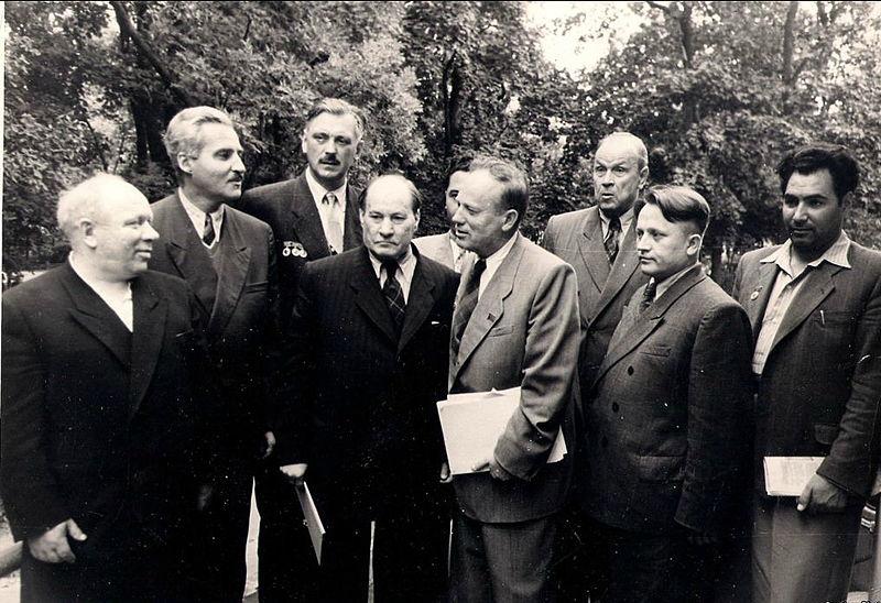 Фото Симонова Константина на III съезде писателей БССР 1954 год