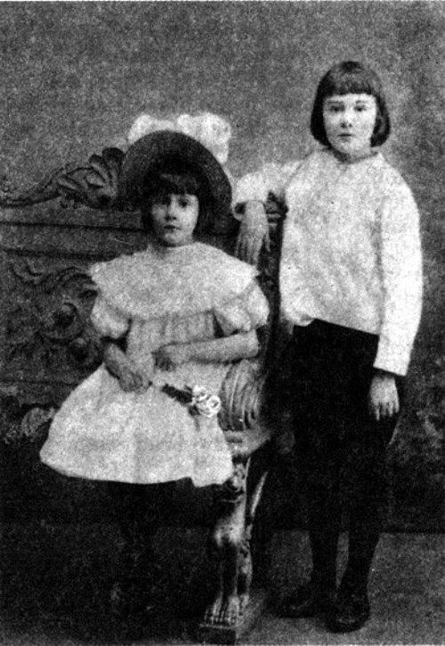 Фото Бальмонта Константина с Аней Эмгельгардт в детстве