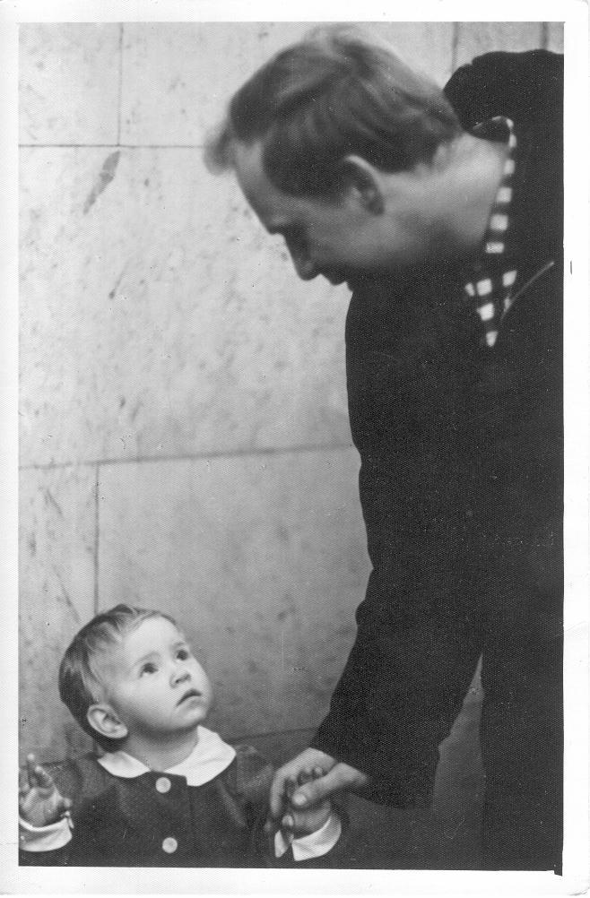 Фото Визбора Юрия с дочерью 1960 год