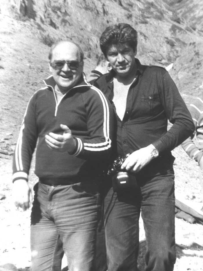 Фото Визбора Юрия с Валерием Рюминым в альплагере «Цей». Март 1984 год