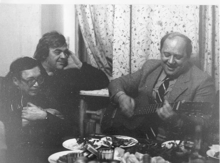 Фото Визбора Юрия с Юлием Кимом и Юрием Ковалем. 70-е года