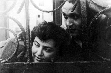 Фото Роберта Рождественского с женой