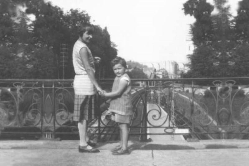Фото Марины Цветаевой с сыном 1935 год
