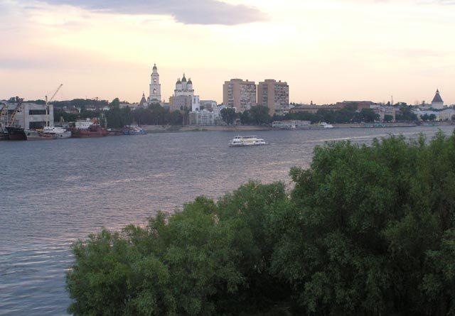 река Волга Астрахань