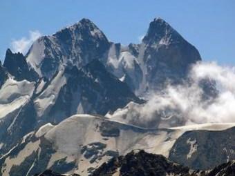Базардюзю гора
