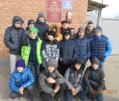 Юные боксеры посетили ОМОН ГУ МВД России по Краснодарскому краю.