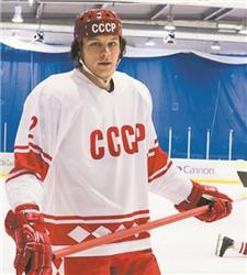 Евгений Пронин в роли Фетисова фото