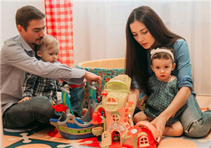 Денис Никифоров с женой и детьми фото